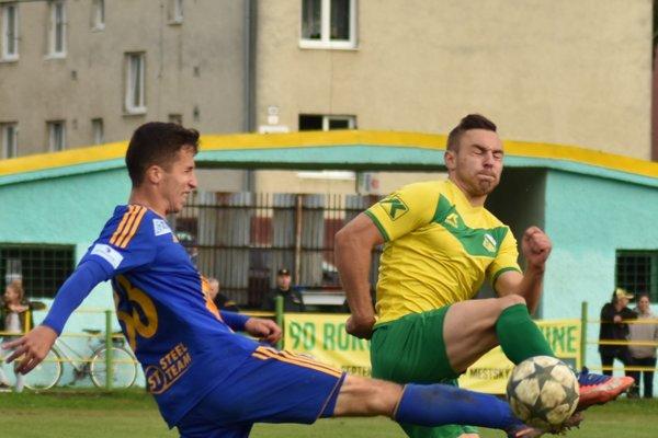 Oleg Vyshnevskyi (vpravo) nedávno takto bojoval vpohári sMartinom Kolesárom, teraz trénujú vjednom tíme.