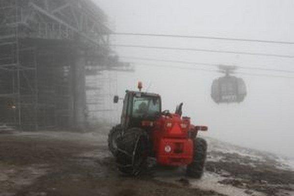 Vo vysokých horských polohách dnes môže aj zasnežiť.