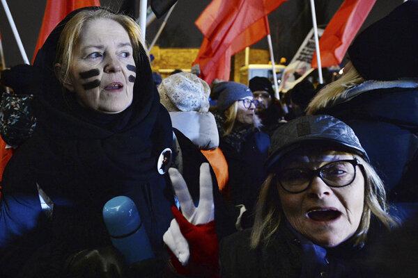 Poliaci protestovali proti návrhu vlády.