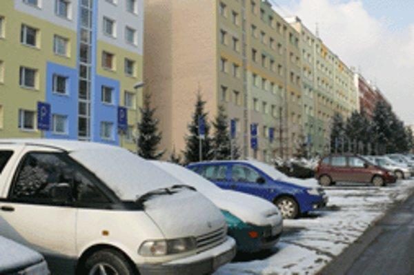 Na Tatranskej ulici je asi najväčší problém s parkovaním v celom meste.