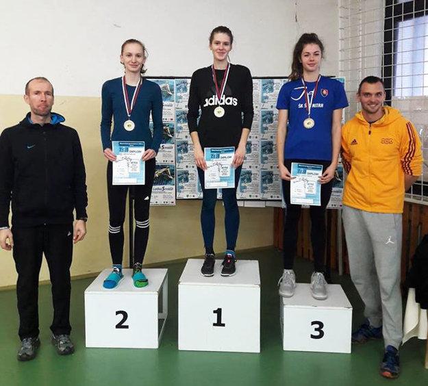 Medailistky v súťaži junioriek.