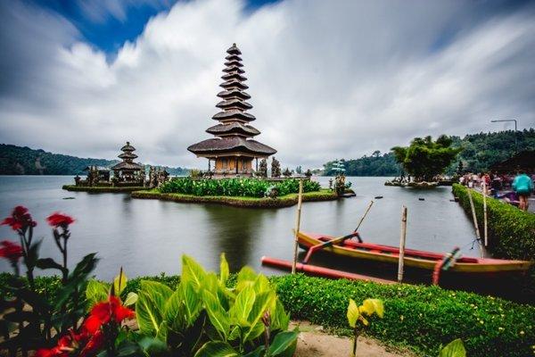 Hinduistický chrám Pura Ulun Danau Beratan na Bali