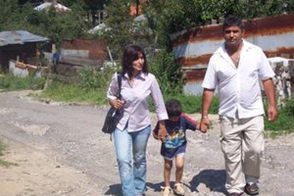 Manželia Pustajovci venujú svoj čas deťom z Čierneho Balogu.