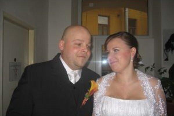 Manželia Benkovci z Banskej Bystrice stihli odvoliť ešte pred svadobným obradom