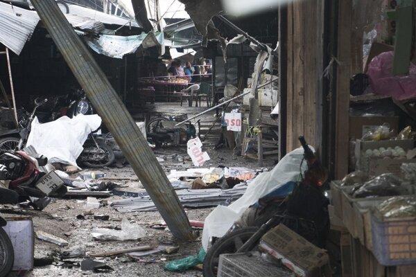 Bomba vybuchla v blízkosti trhu.