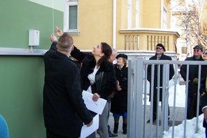 Konzulát sídli na Mudroňovej ulici 12 v Martine.