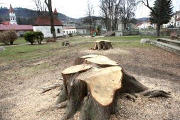 Výrub stromov sa stretol aj s odmietavými reakciami obyvateľov Ľubietovej