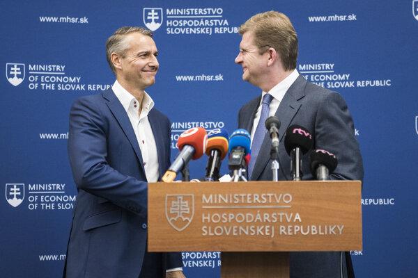 Sprava minister hospodárstva Peter Žiga a primátor mesta Košice Richard Raši.