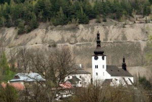 Špania Dolina patrí k najkrajším slovenským obciam, banská činnosť z minulosti tu však zanechala výrazné stopy