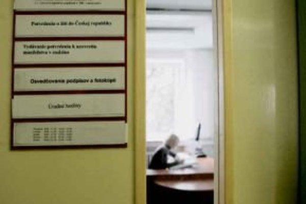 Banskobystrickí úradníci majú byť otvorenejší.