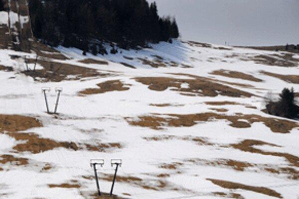 Vybudovanie nového areálu by malo podľa investora umožniť posunúť začiatok a záver zimnej sezóny o päť až desať dní.