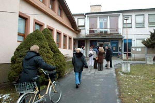 Poliklinika v Poltári.