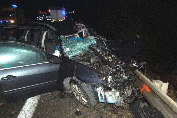 Vodič Renaultu nehodu žiaľ neprežil.