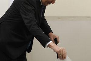 Český prezident Miloš Zeman hlasoval v Prahe.