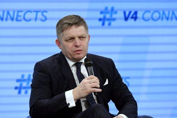 Na výsledky českých volieb už zareagoval aj premiér Robert Fico.