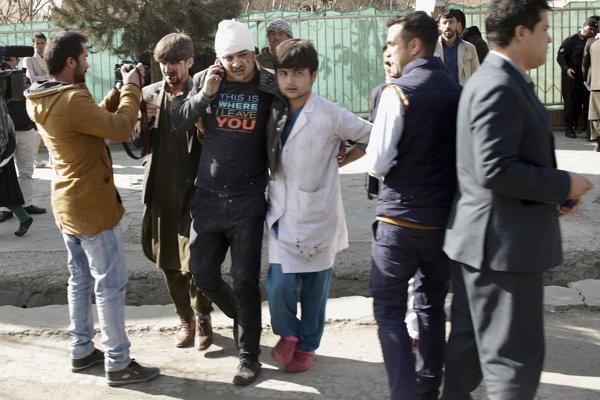 Samovražedný útok v Kábule si vyžiadal najmenej 15 obetí