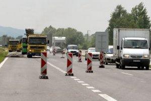 Obmedzenie dopravy na R1.