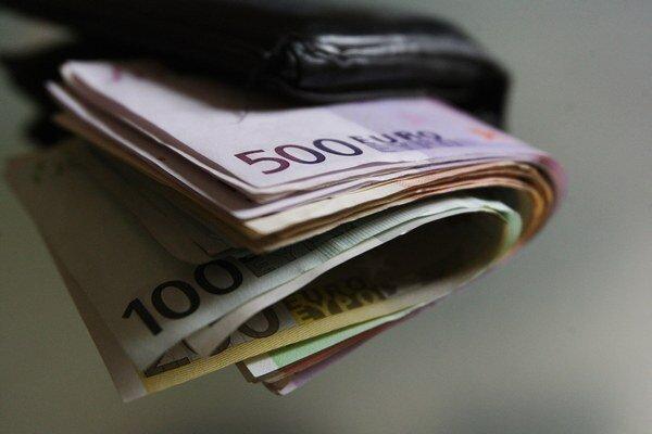 Žena prišla o tritisíc eur.