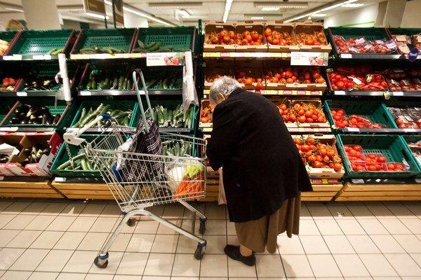 Zlodej obyčajne využije našu nepozornosť. Napríklad pri nákupoch.