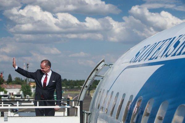 Prezident Andrej Kiska dlhodobo hovorí, že ponuku využívať letku dostal od samotného ministra vnútra.