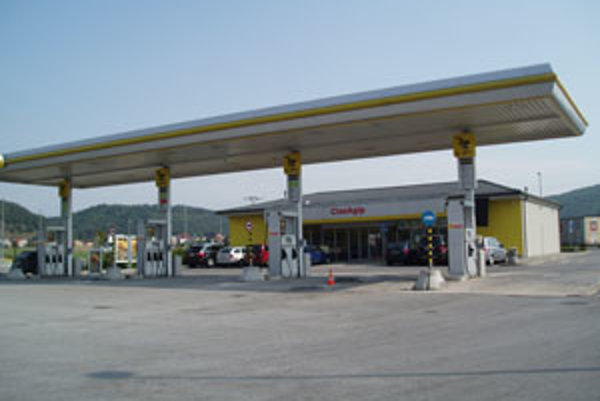Na benzínovej pumpe sa odohrala dráma.