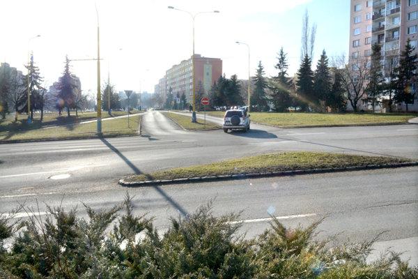 Križovatka Toryská – Idanská. Cez ňu povedie obchádzková trasa uzavretého úseku komunikácie na Štúrovej ulici medzi Toryskou a Idanskou – Dunajskou.