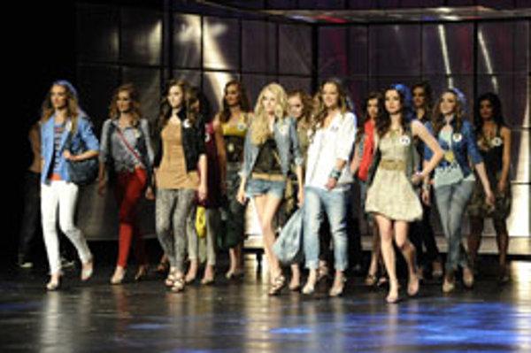 Finálová pätnástka vzišla z viac ako tisícky dievčat.