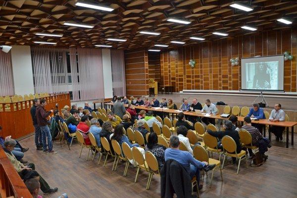 Prvé diskusné fórum bolo opredstavení zásad participatívneho rozpočtu.