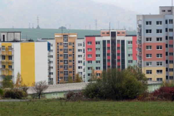 V kraji prevládajú trojizbové byty.