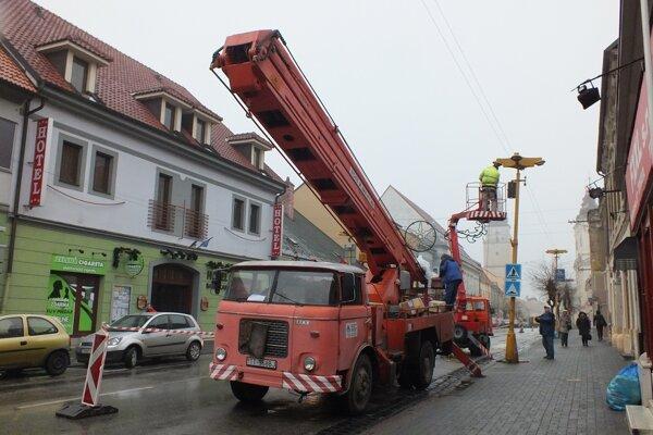 Na Štefánikovej budú nové lampy.