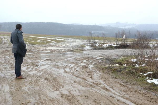 Lokalita Pod Bankovom. Výstavba rodinných domov zostane zatiaľ na ploche schválenej v roku 2015.