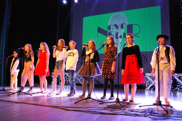 Deväť finalistov 4. ročníka speváckej súťaže Novostar.