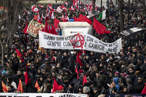 V Macerate sa koná protifašistický pochod.