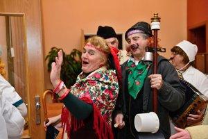 O dobrú náladu sa starali seniori z Prameňa.