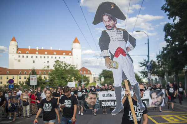 Protest proti Ficovi Kaliňákovi Bašternákovi.