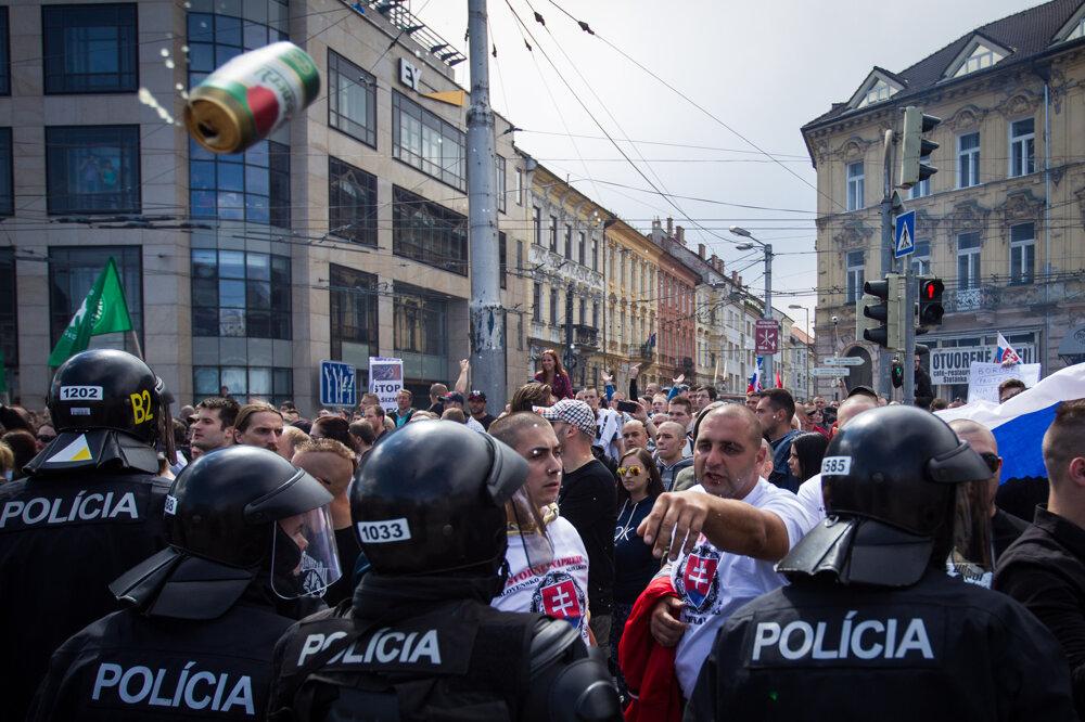 Protest proti islamizácii Slovenska. (20. 6. 2015, Bratislava)