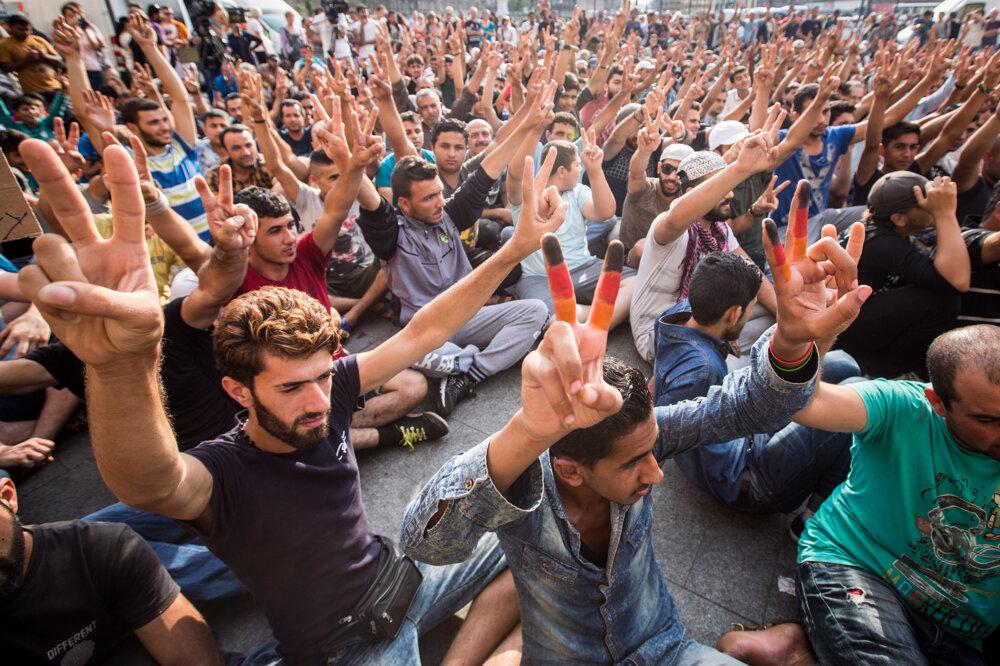 Protest utečencov na železničnej stanici Keleti v Budapešti. (3. 9. 2015, Budapešť, Maďarsko)