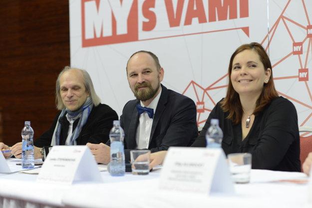 Stretnutie so županom v Trnavskom samosprávnom kraji. Župan Jozef Viskupič (v strede), Lenka Štefáneková, šéfredaktorka MY Trnavských novín (vpravo) a Pavol Tomašovič, hovorca mesta Trnava.