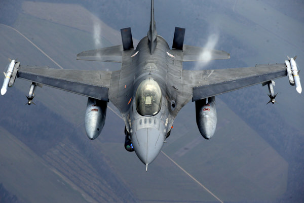 Stíhačka F-16 v silách NATO.