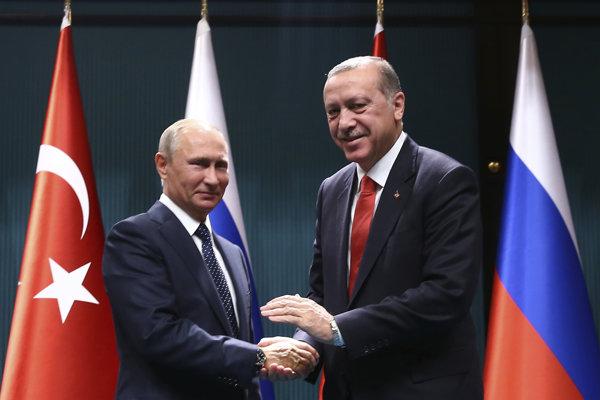 Turecký prezident Recep Tayyip Erdogan (vpravo) a jeho ruský partner Vladimir Putin.
