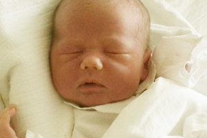 Vytúženým prvým dieťatkom Jána a Eriky Adamčíkovcov z Ďurďového je od 10. februára malý Janko (3510 g, 50 cm).