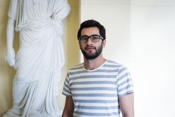 """""""Záujmy sýrskeho ľudu sú často vytlačené do úzadia,"""" hovorí o vojne v Sýrii Armenak Tokmajyan z International Crisis Group."""