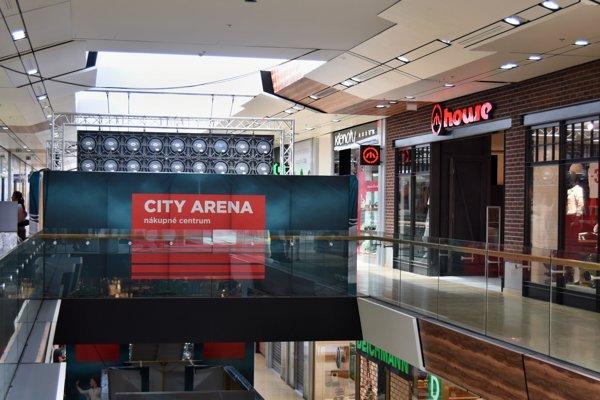 priestory nákupného centra komplexu City Arena v Trnave.