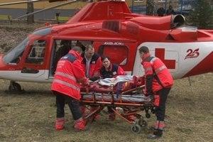 Prevoz zranenej Veroniky do košickej nemocnice.