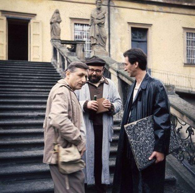 Něžný barbar (1989) v réžii Petra Kolihu je film o živote a tvorbe maliara Vladimíra Boudníka. Jiří Menzel v ňom stvárnil postavu Bohumila Hrabala.