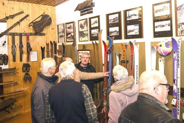 Jedna z expozícií je venovaná histórií lyžovania.