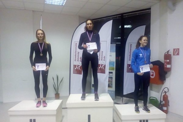 Dve atlétky ŠKP Žilina, Emma Paulínyová a Emma Paulínyová, získali v Bratislave zlato aj striebro.