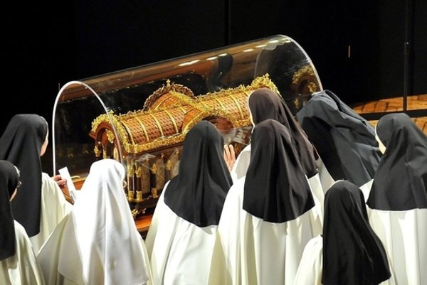 Relikvie sv. Terézie z Lisieux precestovali prakticky celý svet, teraz prídu do nášho regiónu.