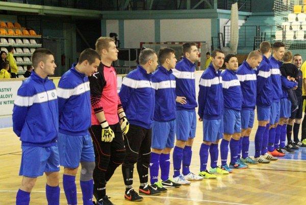 Výber rozhodcov ObFZ Nitra sa predstaví na futbalovom turnaji v sobotu v mestskej hale na Klokočine.