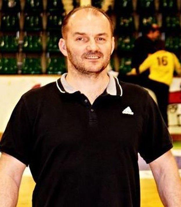 Asistent trénera HC Štart Emil Mokryš